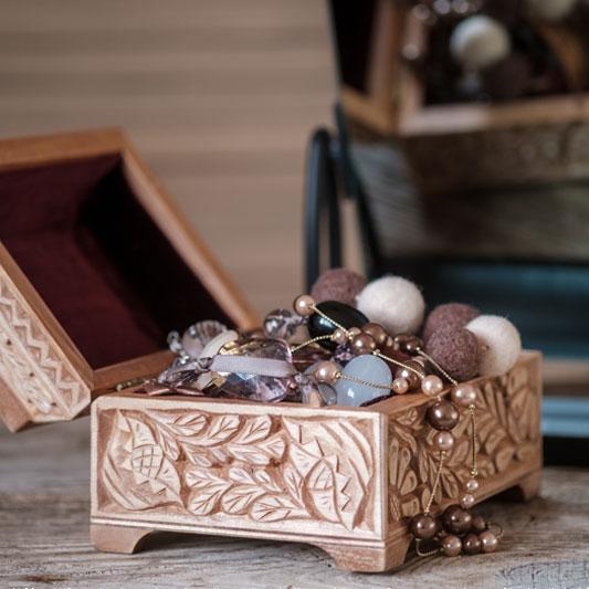 Coffre a bijoux en bois